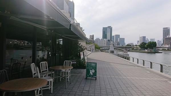 関西コミティア56の後、大川の畔のカフェで