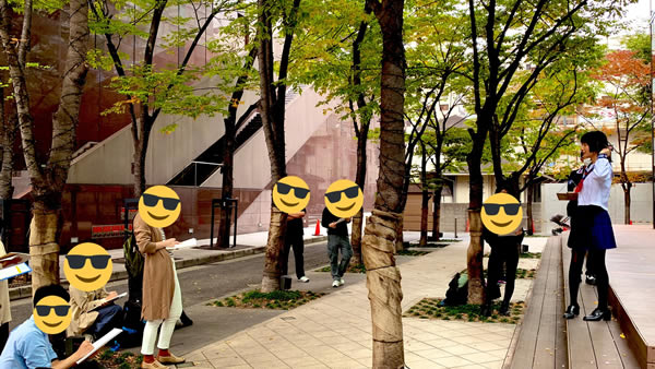 MBS前でお絵描き:大阪でセーラー服のデッサン会