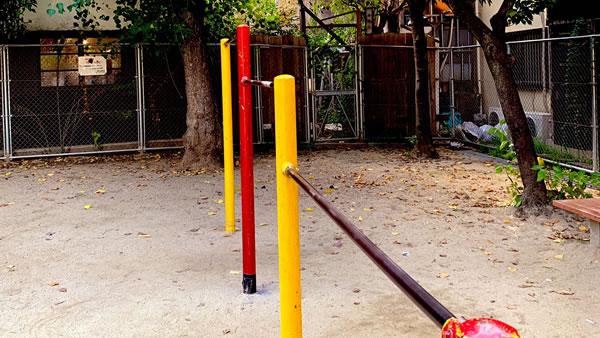 中崎の公園:大阪でセーラー服のデッサン会