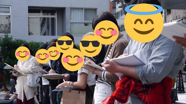 真剣にクロッキー:大阪でセーラー服のデッサン会